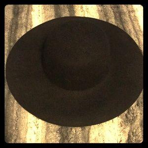Accessories - Black wool hat